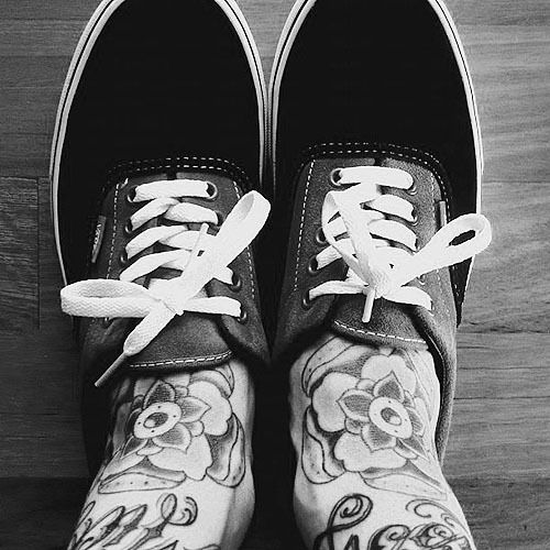 vans and tats and flowers