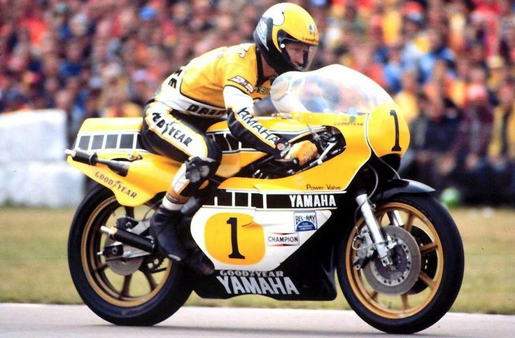 Kenny Roberts on his Yamaha YZR500 in 1980. ケニーロバーツ