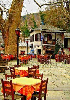 Boven op de berg Pilio op het Griekse schiereilandje Pilion