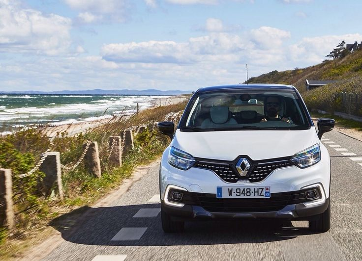 The Renault Captur, Europe's best-selling urban crossover in 2016 with unit sales of 215,670, has reinvented itself to feature more distinctive styling and new advanced technologies, without sacrificing any of its user-friendliness. For the first time, a Captur Initiale Paris version will be available. With Kadjar and Koleos, the SUV family is complete now. The engine delivers 110HP at 4,000rpm and 260Nm of torque at 1,750rpm. The continued hunter rival will be the Peugeot 2008.