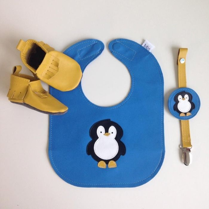 This set is available for auction right now to raise $ for Greta!! Check it out - Mocs, Bib, soother clip! Auction item 'Mally Designs Penguin Gift Set' hosted online at 32auctions.