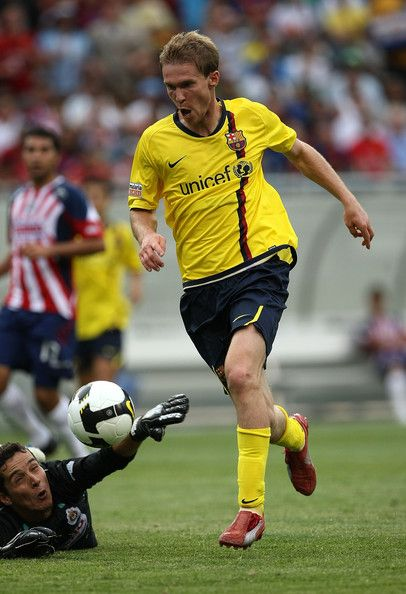 2008-2009 Alexander Hleb came to Barca in 2008 and remained under contract to the team, but loaned to three other clubs after the team's unprecedented 2008-2009 campaign. Injuries led to being out of form and unable to challenge for a regular spot on the Blaugrana's deep roster. A midfielder, he played in only 19 games. He is active elsewhere as 5/1//2014.