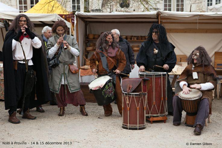 Noël à Provins - Musique avec Les Percus du Diable - Photo Damien Gilbon