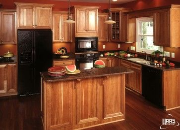 pictures of small kitchen designs 65 best images about hickory cabinets and on 7486