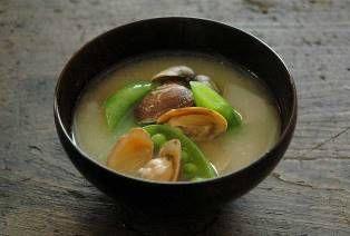 あさりの味噌汁のレシピ/作り方:白ごはん.com