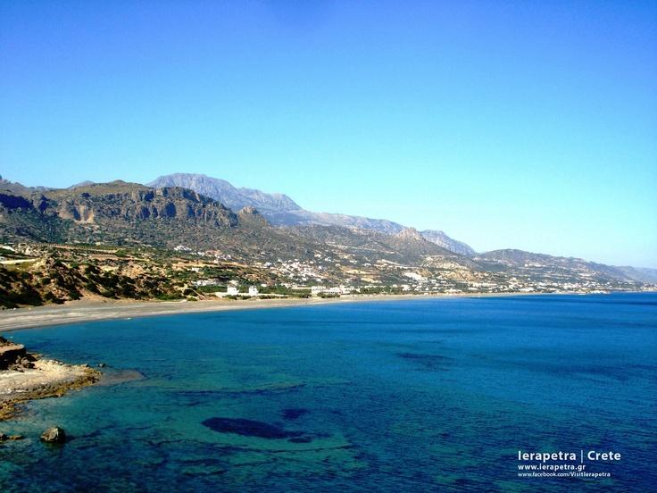 Koutsounari  village and Long Beach Koutsounari in  #Ierapetra. | Ο παραλιακός οικισμός Κουτσουνάρι και η μεγάλη παραλία Κουτσουναρίου στην Ιεράπετρα.
