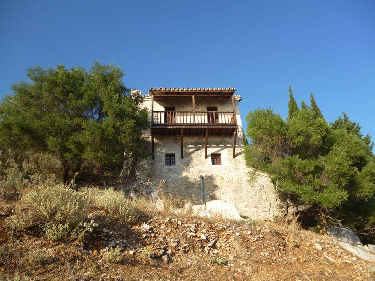 Το μοναστήρι της Παναγίας της Ροδιάς στις όχθες του Αμβρακικού (Άρτα).
