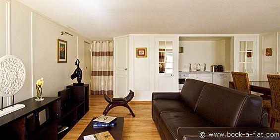 Apartment rental 1 bedroom Paris rue du Bouloi 1st District - Nearest metro Palais Royal Musée du Louvre
