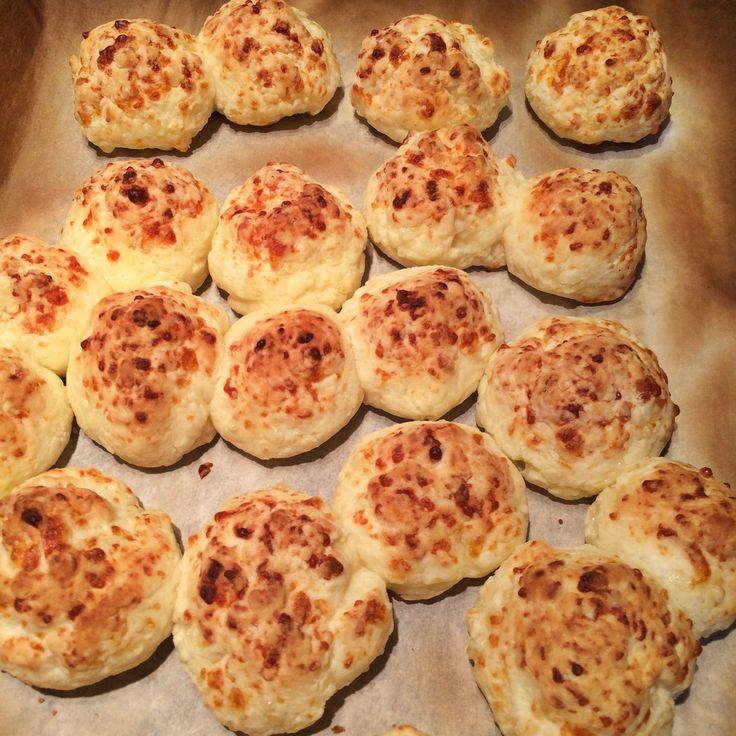 Pan de yucca ou petits pains au fromage | La famille des cavernes