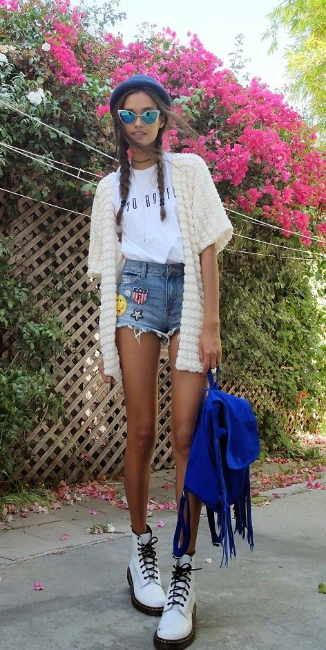 T-shirt from Brashy Couture, shorts from Primark, cardigan from Forever 21, backpack from Asos, hat from River Island, boots are Dr. Martens and acessories from Topshop.