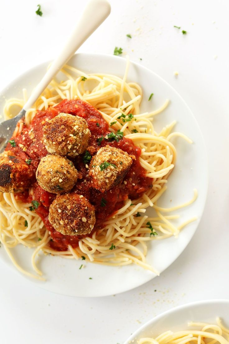 EASY 10 ingredient vegan meatballs! Tempeh base with vegan parmesan and fresh herbs! Simple, quick and delicious on pasta! #vegan #healthy