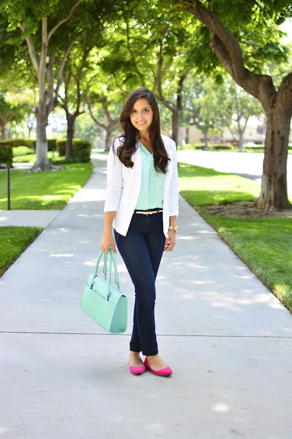 We spotted blogger Iman of Polka Dots and Purses looking totally lovely in a Charlotte Russe mint blouse and white blazer. Love it