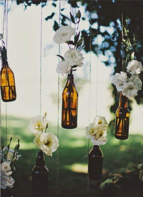 Decoración con botellas de cristal.