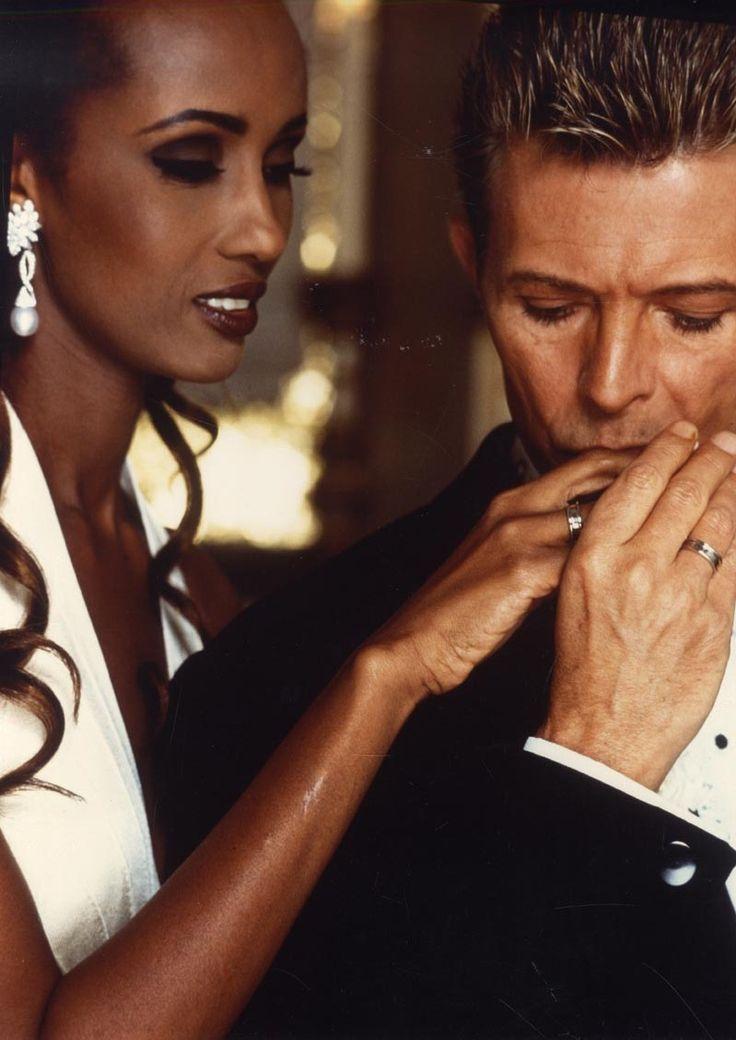 "David Bowie et son épouse Iman à Florence en juin 1992 by D.Aris ""I was naming the children the night we met ... it was absolutely immediate."" - David Bowie"