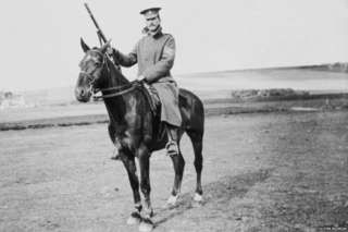 George Hackney: Unseen WW1 photos uncovered - BBC News