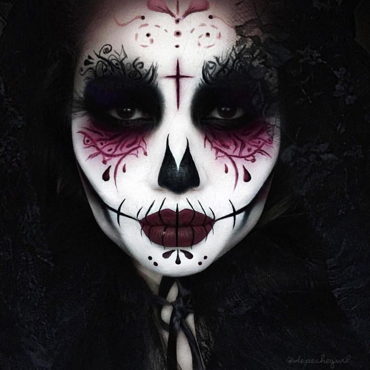 Sugar skull ☠ The amazing @depechegurl using DARK MATTER eye shadow Check out her page for more details!! #meltcosmetics #meltdarkmatter