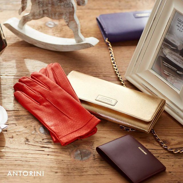 Beautiful luxury fashion accessories of the highest quality and design from www.antorini.com. Ladies' and men's fashion accessory collections reflecting the newest fashion trends and elegance.