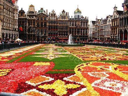 City Break in Bruxelles! Voucherul de 25 Lei iti asigura pretul redus de 175 Euro pentru 2 nopti de cazare in Bruxelles + transport avion si taxe incluse!