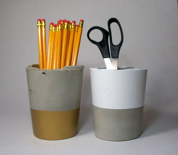 Handmade Modern White Concrete Planter/ von dachshundinthedesert