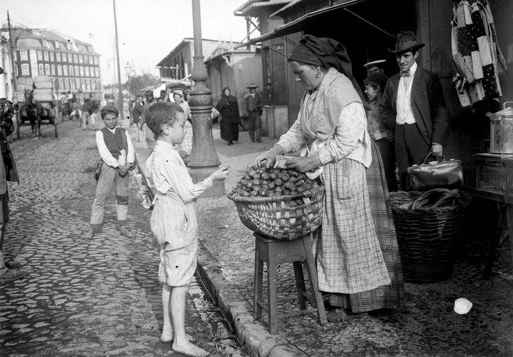 Venda de castanhas no mercado da Ribeira .