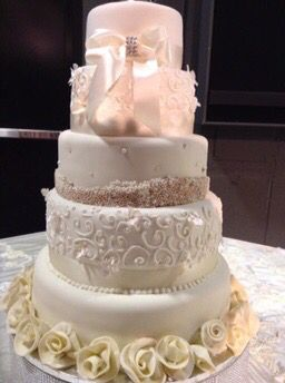Cake made by - Claudia Islas