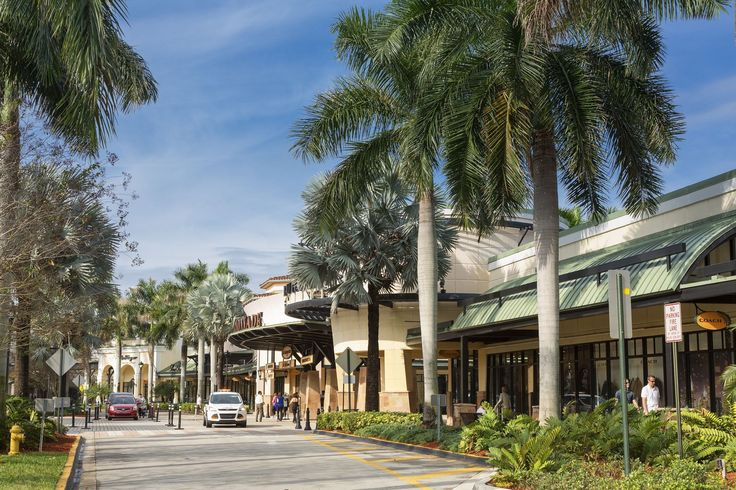 Looking for a chance to grab a bargain? The Miami region is home to several outlet malls full of factory stores offering shoppers steep discounts on quality clothing, accessories and gifts. Here are a few of the best factory outlet malls in Miami.