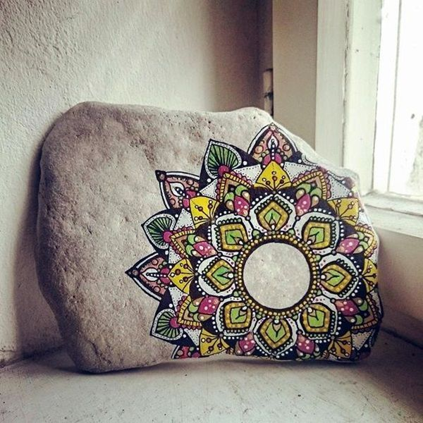 DIY Mandala Stone Patterns To Copy (34)