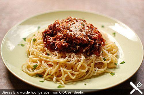 Die echte Sauce Bolognese (bereits gemacht; ergibt deutlich mehr Portionen!)