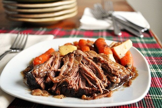Little B Cooks: Chronicles from a Vermont foodie: Balsamic Pot Roast (in the Crock Pot)
