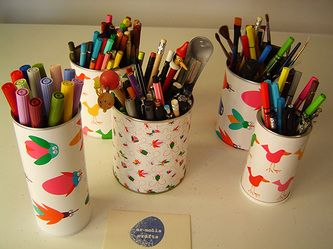 Make a colorful pencil holder using an old tin