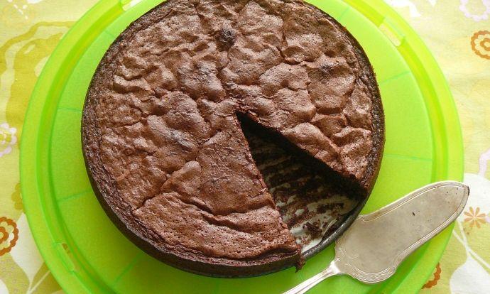 Vláčný čokoládový dort bez mouky