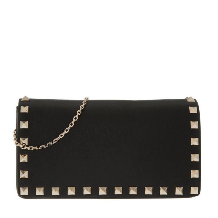 Wir haben Valentino Tasche - Rockstud Fold Over Crossbody Bag Nero - in schwarz - Umhängetasche für Damen auf unsere Seite gepostet. Schaut euch an, was es sonst noch von Valentino gibt.