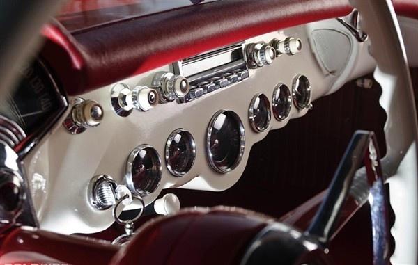 Gorgeous dials.Chevrolet Corvette