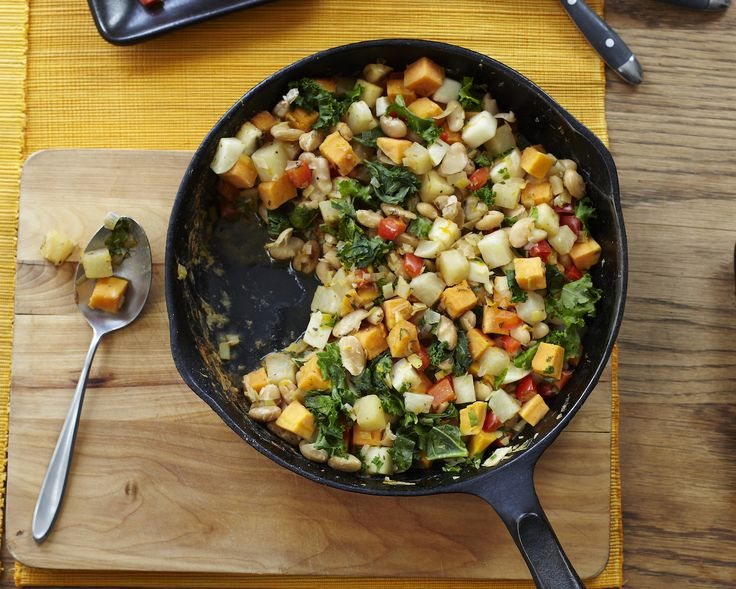 Vegetable white bean hash. Quick and very yummy! Vegan, vegetarian, but very filling. Perfect for a plant-based whole foods diet.