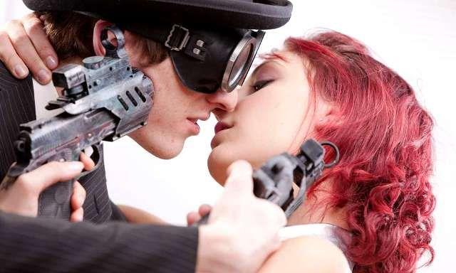 Hol a határ a szerelem és a gyűlölet között?   Pink Domina