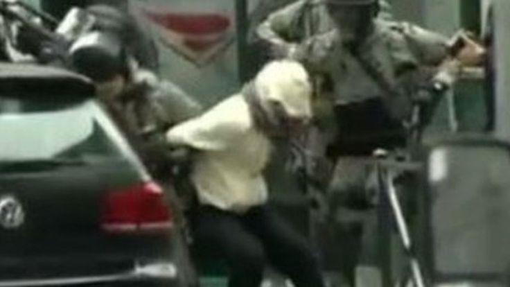 Paris attacks suspect Abdeslam seeks quick extradition - BBC News