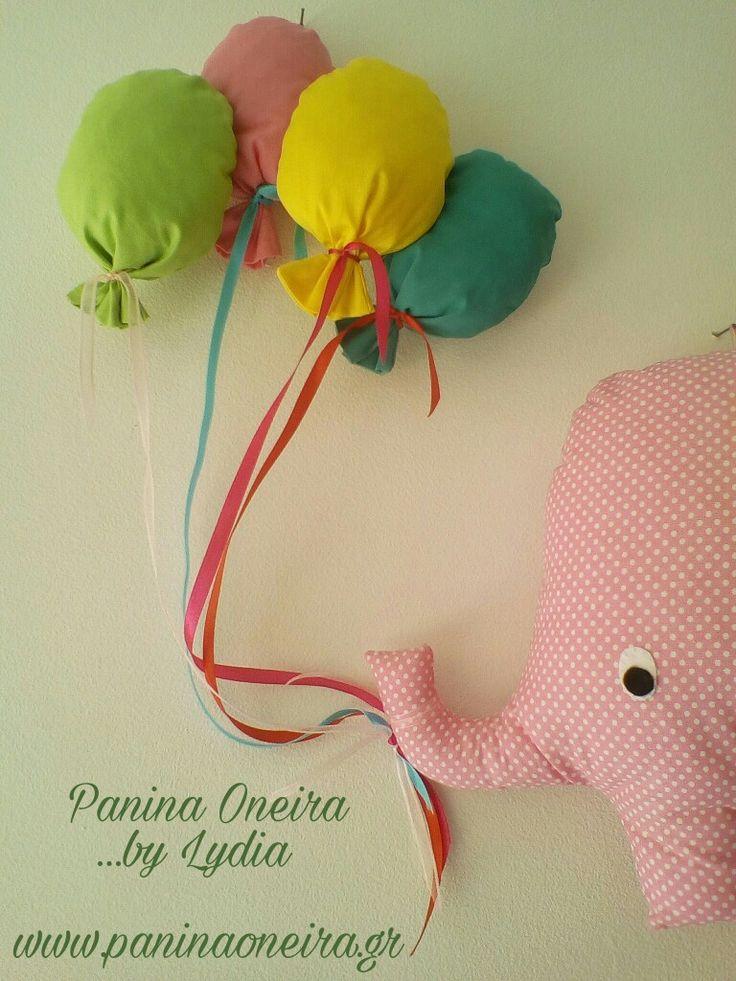 Handmade elephant with balloons, made of cotton fabrics!! Wall art for baby's room!! @paninaoneira