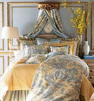 Country-style decorating can also be romantic. This is done by choosing soft toiles and adding mirrors and moldings with elaborate gold designs. This style is particularly popular in bedrooms.