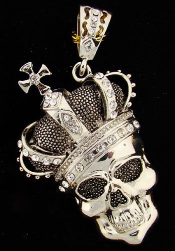 One of my favourite skull pendants, although mines a little more worn than this! It's well loved.
