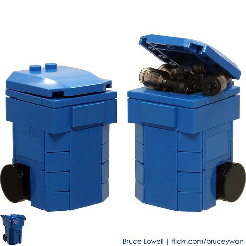LEGO Recycling Bin (Blue) by bruceywan