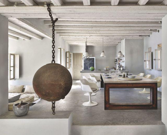 la table est le coeur de la maison une table immense de. Black Bedroom Furniture Sets. Home Design Ideas