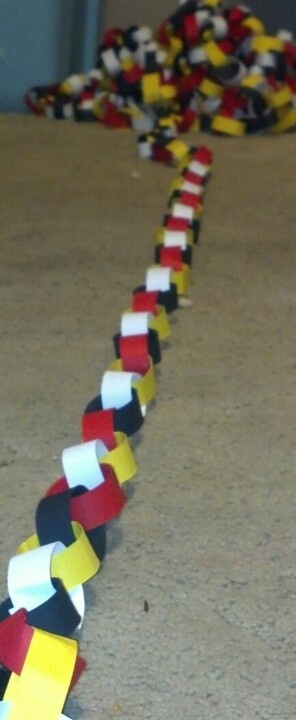 Paper chain streamer for Mickey Mouse party