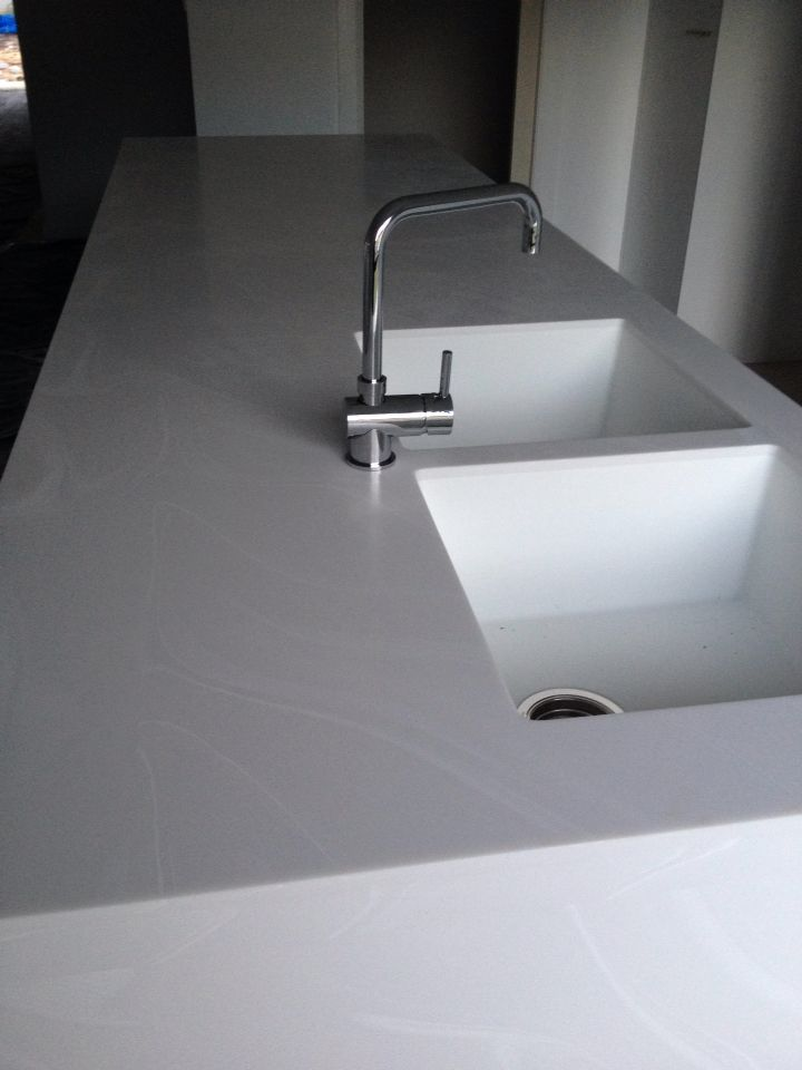 Corian in venaro white warming effect for kitchen for Corian farm sink price