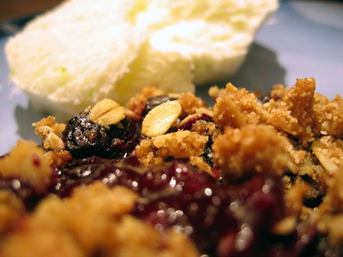 Habeas Brulee » Blog Archive » Blueberry Oatmeal Crisp with Lime Ice Cream