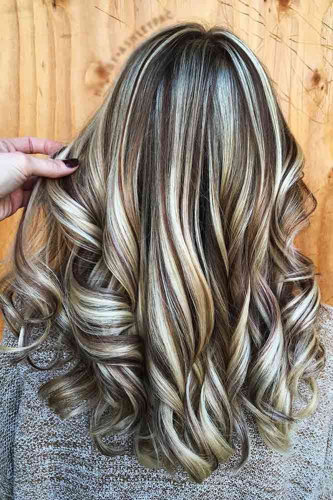 Brown hair with blonde highlights brings out the ...