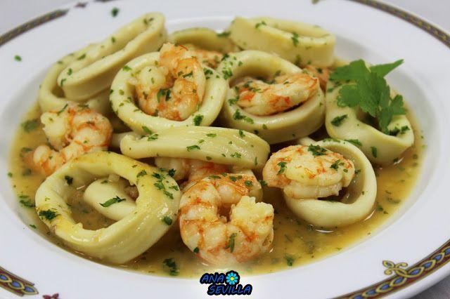 Sencillo, ligero, delicioso, que más se puede pedir?? Calamares en salsa de langostinos cocina tradicional.