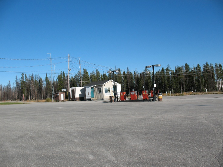 The James Bay Road (Route de la Baie James) is a remote wilderness highway winding its way through the Canadian Shield in northwestern Quebec and reaches into the James Bay region. There is only one fuel station 375 km into the route, so make sure you fill up!