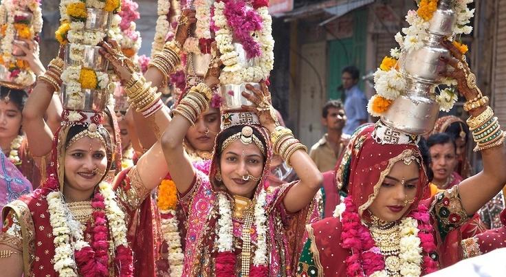 Gangaur procession, Jodhpur, Rajasthan on Fotopedia
