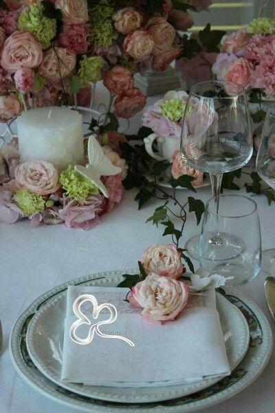 Eleganza, delicatezza e romanticismo di una mis en place shabby chic