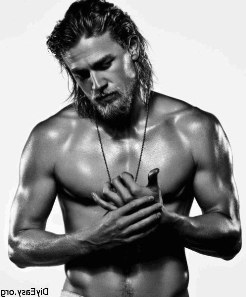Afternoon eye candy: Charlie Hunnam